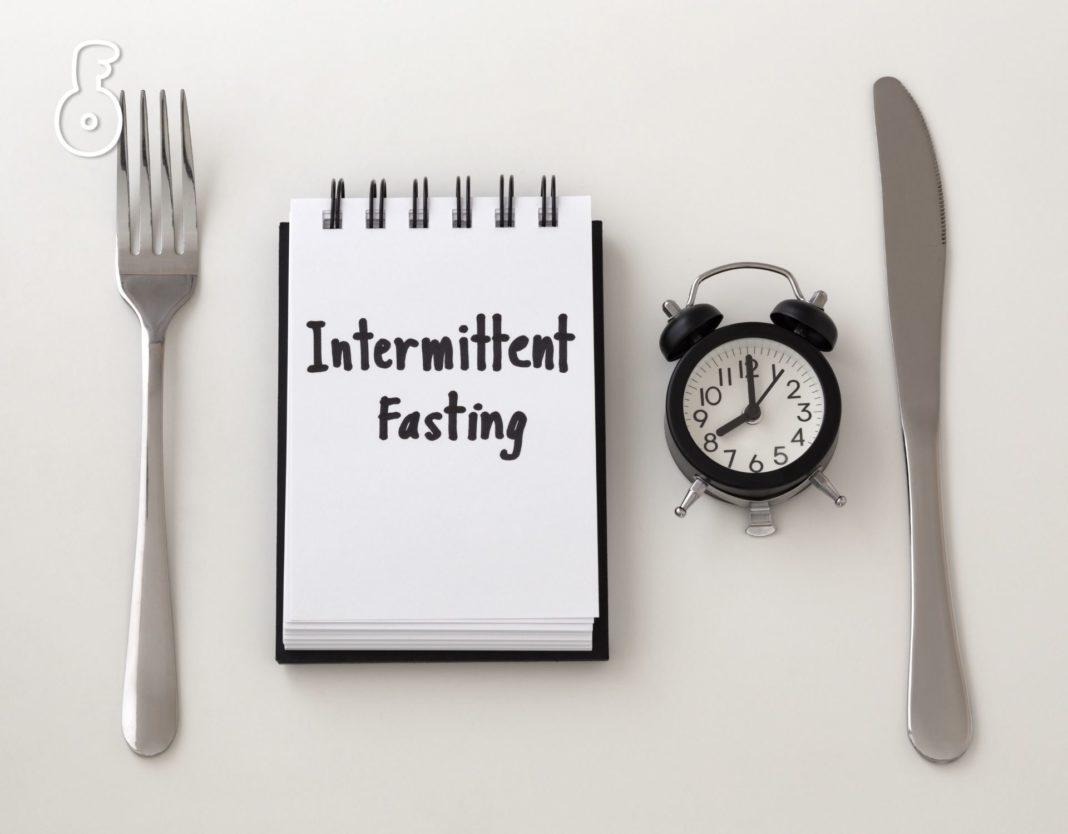 ช่วงเวลาของการหยุดกินอาหารในแต่ละวัน (Intermittent Fasting) มีผลต่อประโยชน์ในเรื่องสุขภาพต่างกันหรือไม่
